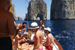Boat Tour of Capri via Apreamare Gozzo