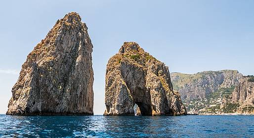 Priore Capri Boats Excursions - Giro dell'isola di Capri su motoscafo Itama