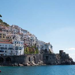 Speedboat Tour of Capri and the Amalfi Coast