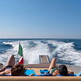 VIP Transfer Naples-Capri (or vice versa) van+speedboat