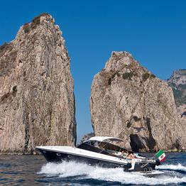 Priore Capri Boats Excursions - VIP transfer auto+motoscafo Roma - Capri (o viceversa)