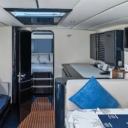 Priore Capri Boats Transfers - VIP Transfer Rome - Capri (or vice versa) van+speedboat